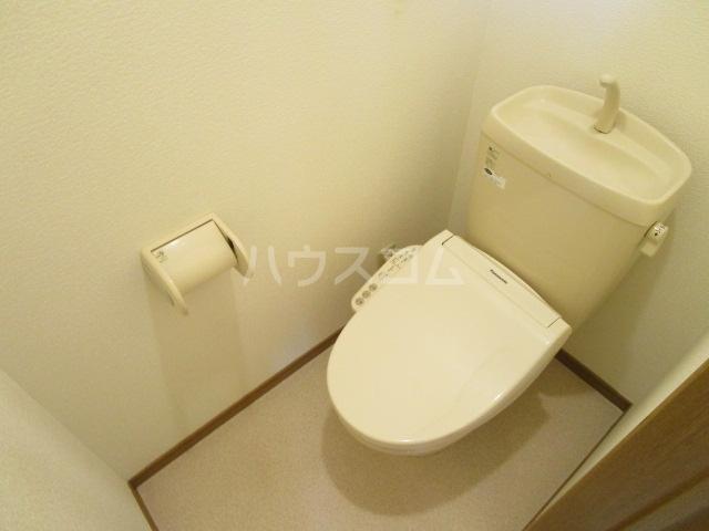 ベーネ1 203号室のトイレ