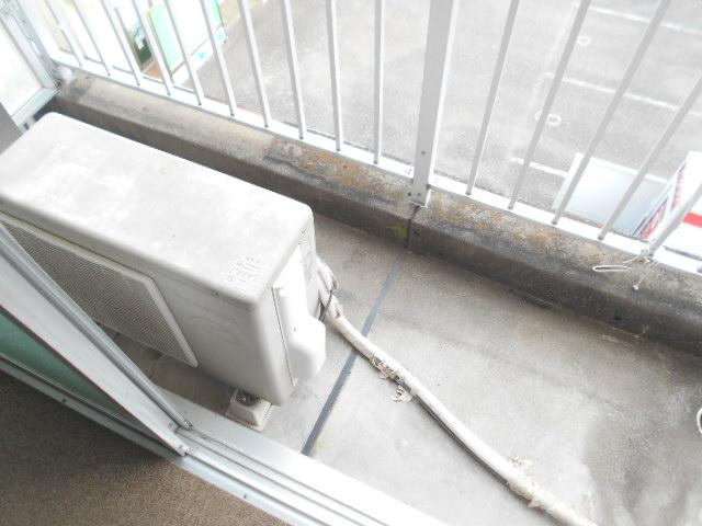 フラワーマンション 102号室のバルコニー