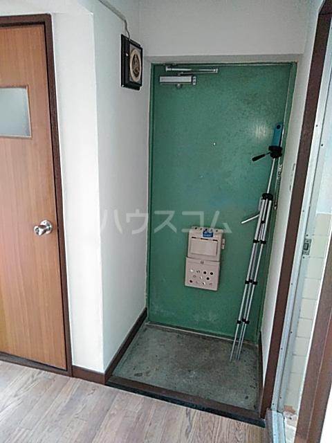 田辺マンション鶴間 305号室の玄関