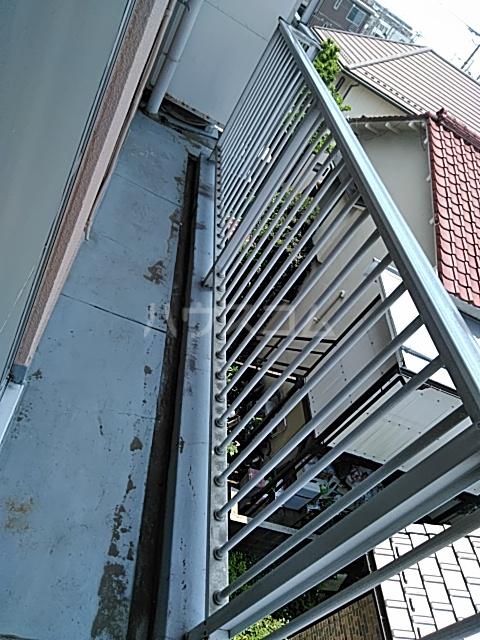 田辺マンション鶴間 305号室のバルコニー
