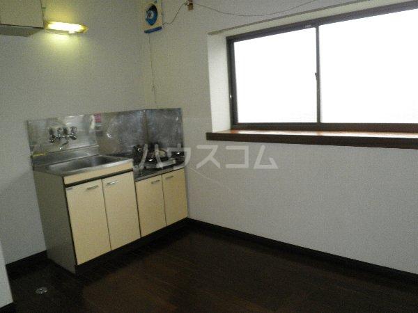 安藤荘 202号室のキッチン