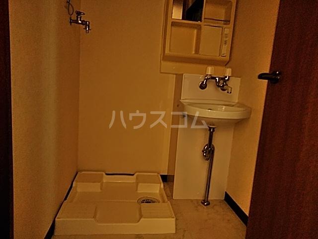 吉浜マンション 302号室の洗面所