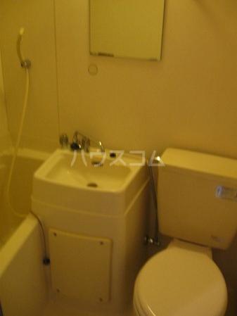 ドルフィン 102号室の風呂