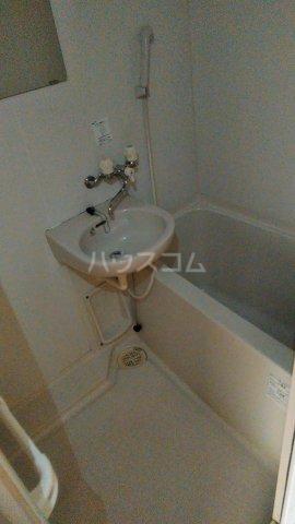 フォルジュロン 108号室の風呂