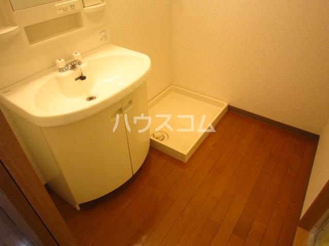 グレースコート富浜 306号室の洗面所
