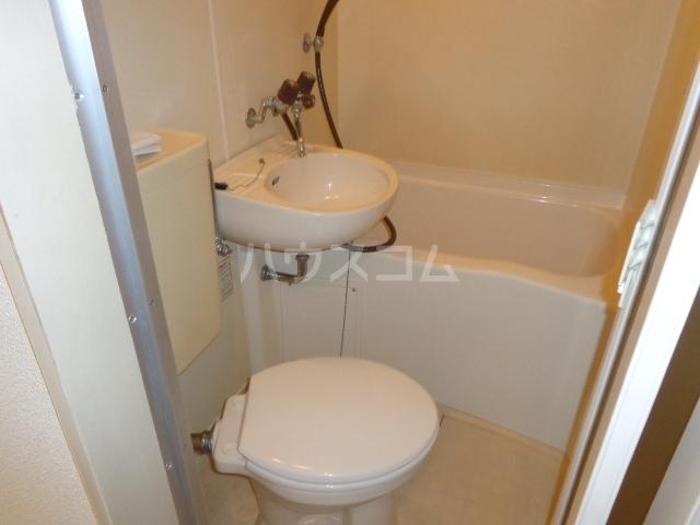 コーポアンビシャス 106号室のトイレ