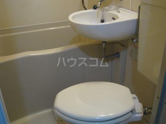 コーポアンビシャス 106号室の洗面所