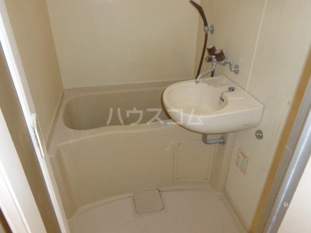コーポアンビシャス 207号室の風呂