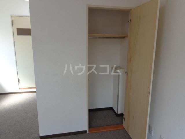 コーポアンビシャス 207号室の収納