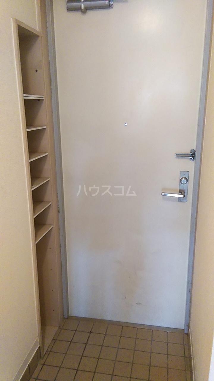 ベルトピア熊谷10 105号室の玄関