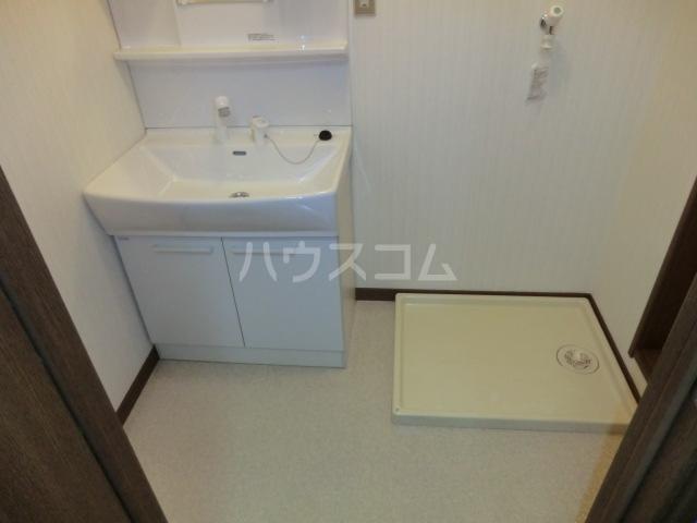 カーディナルB 105号室の洗面所