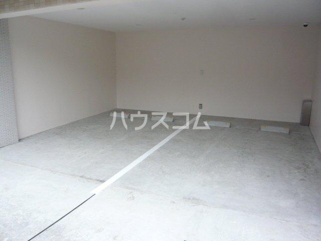 ブランセ用賀 207号室の駐車場