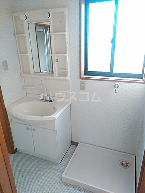 メゾンクレールⅡの洗面所