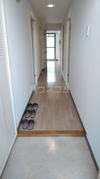 サクラパークホームズ 202号室の玄関