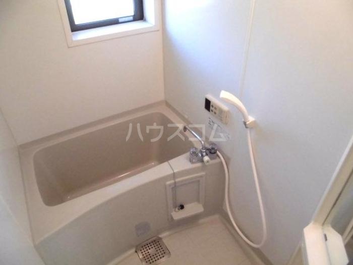 ラファエル Ⅵ 102号室の風呂