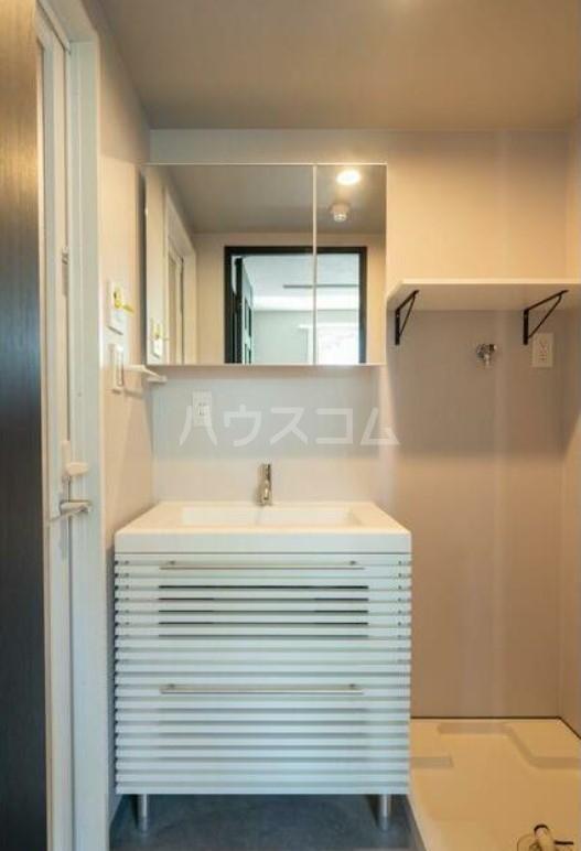グエル・サカエ赤堤 202号室の洗面所
