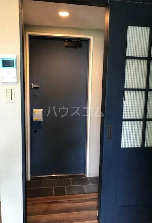 グエル・サカエ赤堤 202号室の玄関