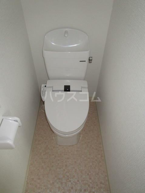 ヴィラコンフォート上大岡 104号室のトイレ