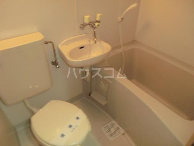 第2サンハイツ・カナイ 204号室の風呂