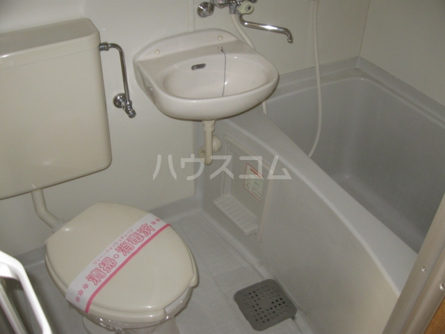 第2サンハイツ・カナイ 205号室の風呂