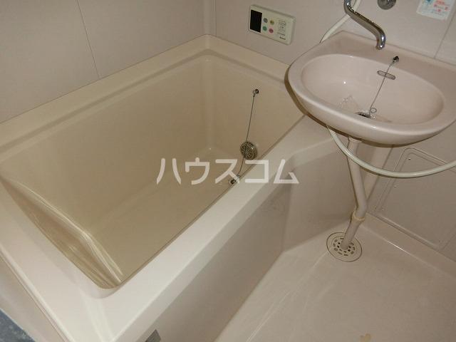 アーバンパレス二番館 106号室の風呂