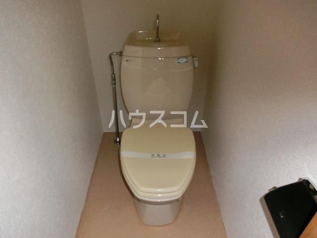 アーバンパレス二番館 106号室のトイレ