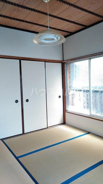 長谷川ハイツ 202号室のリビング