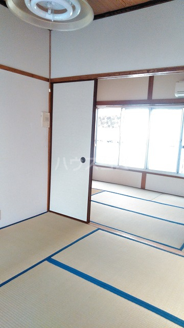 長谷川ハイツ 202号室の居室