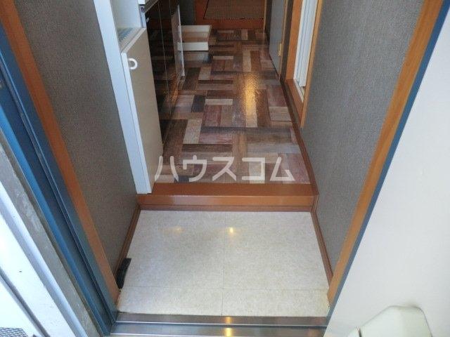 センティス 101号室の玄関