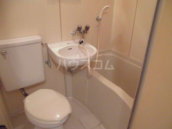 ジュネス楓 106号室のトイレ