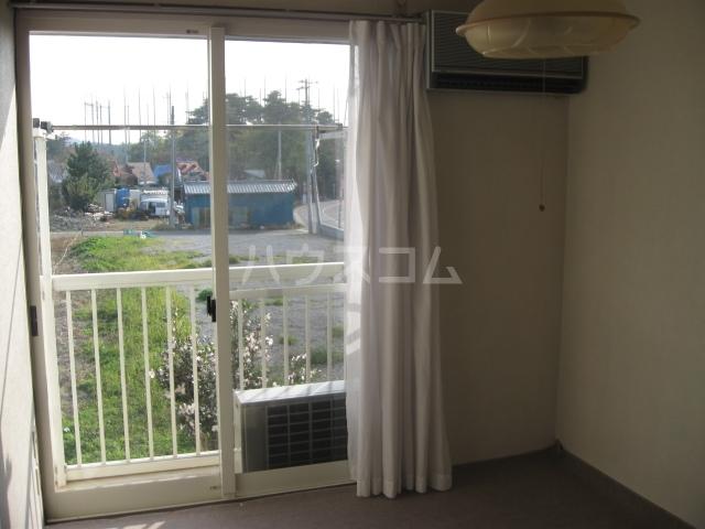 豊島ハイツ 208号室のリビング
