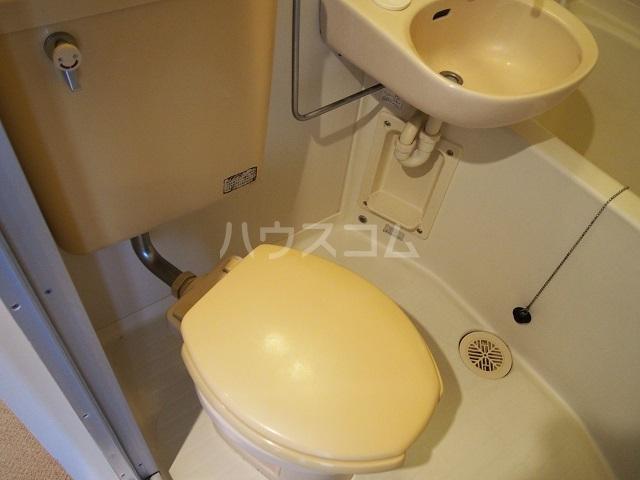 グランコート熊谷弐番館 401号室のトイレ