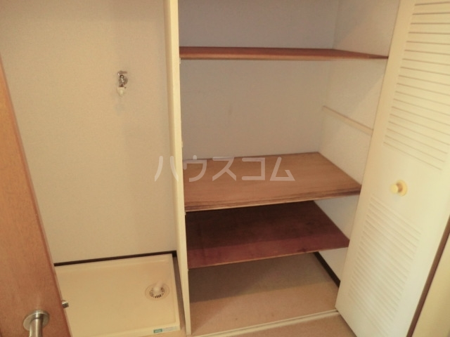 グランコート熊谷弐番館 401号室の収納