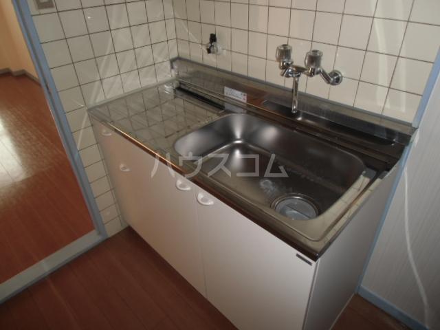 CENTURY21 105号室のキッチン