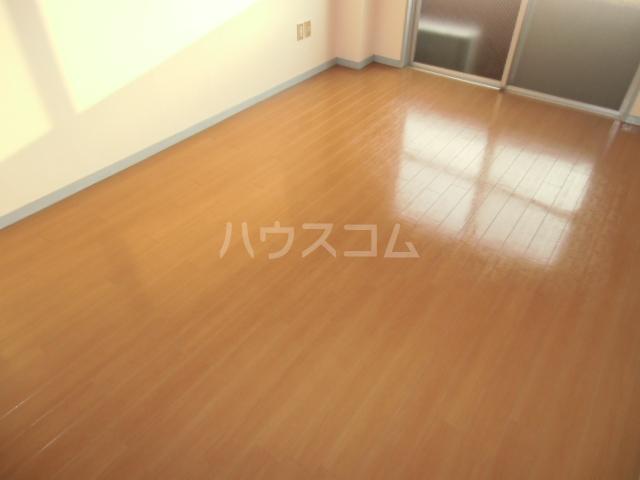 CENTURY21 201号室のリビング