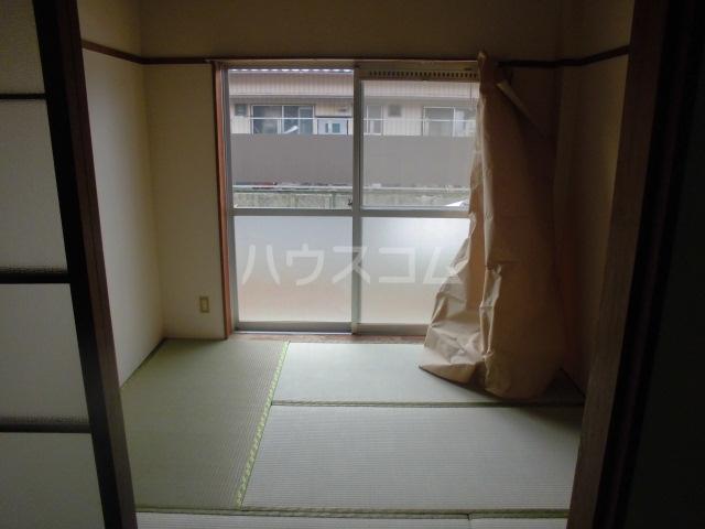 コーポ太田 201号室の居室