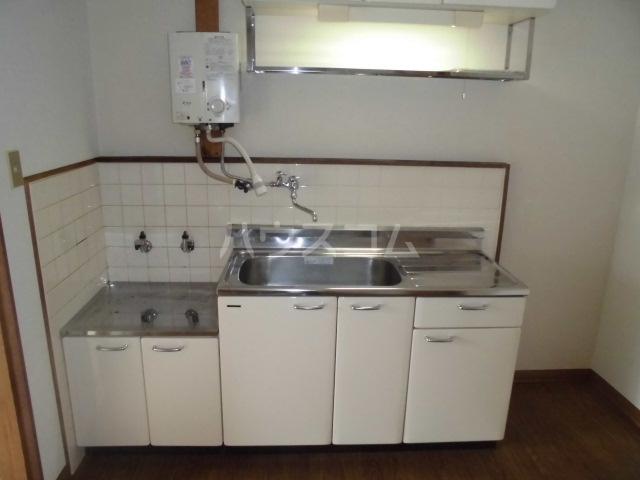 コーポ太田 201号室のキッチン