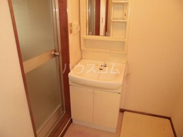 コーポ太田 201号室の洗面所