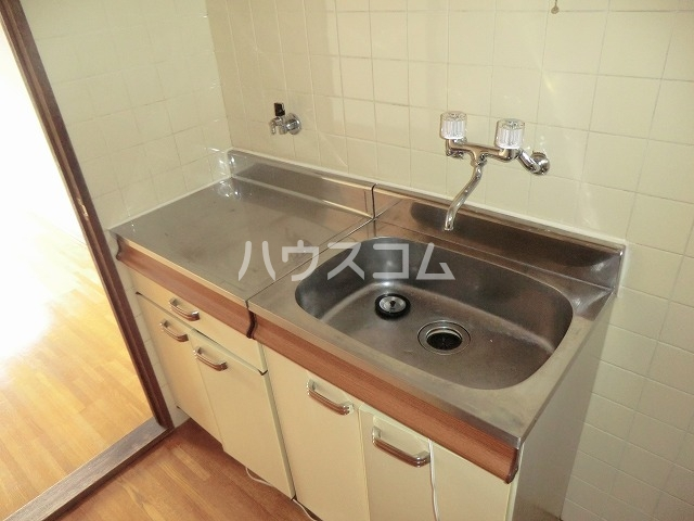 コーポ東海 101号室のキッチン