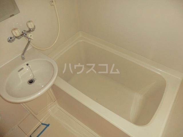 ハイツ松栄A 205号室の風呂