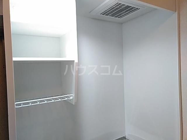 リミクス綾瀬 601号室の収納