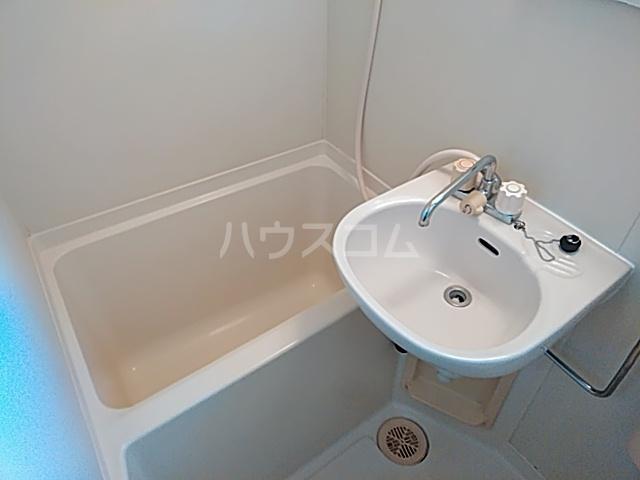 リミクス綾瀬 601号室の風呂