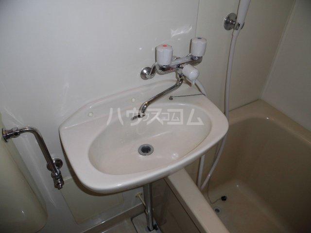プチメゾントレド 201号室の洗面所