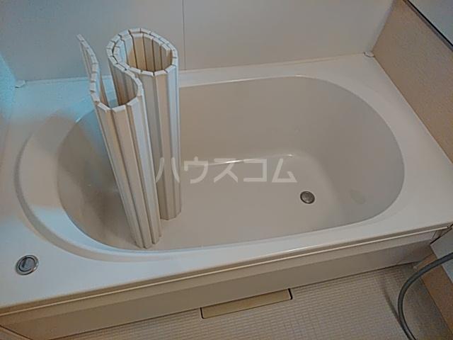 エコライフ長鶴 102号室の風呂
