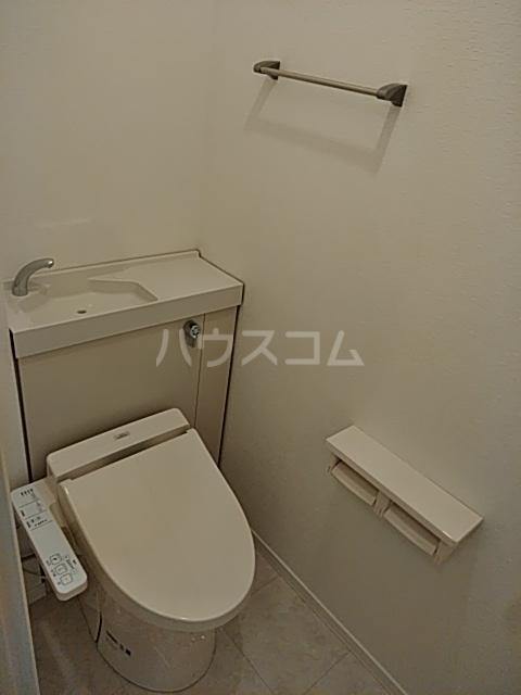 エコライフ長鶴 102号室のトイレ