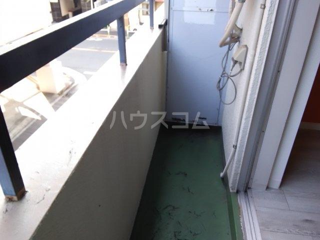 横山マンション 201号室のバルコニー