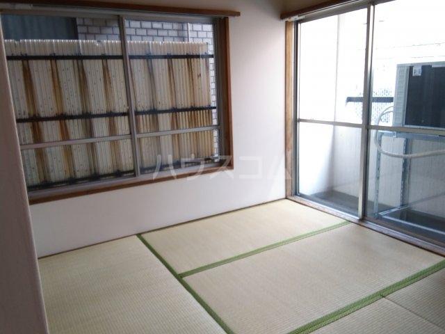 横山マンション 201号室の居室