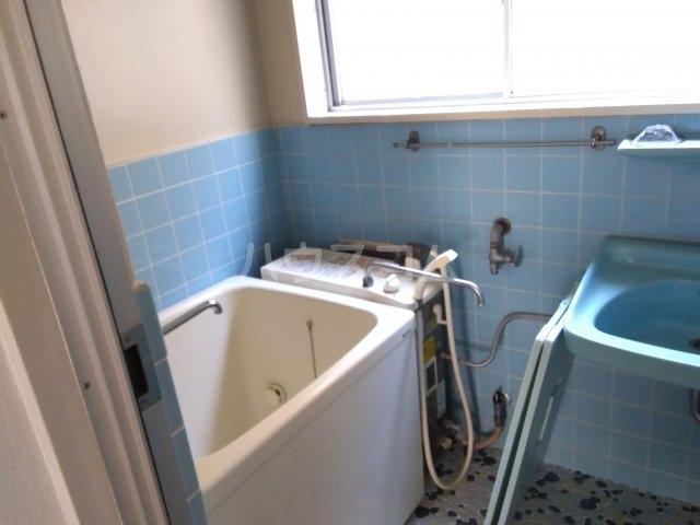 横山マンション 201号室の風呂