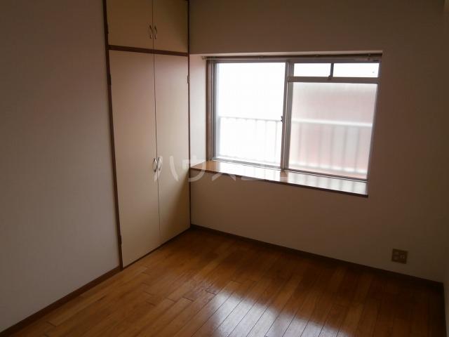サンライズベル 404号室のリビング
