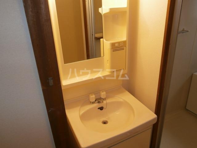 サンライズベル 404号室の洗面所
